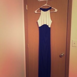Ralph Lauren gown! Only worn once!